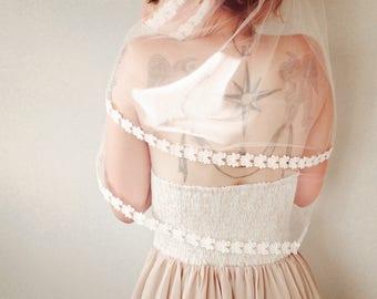 White bridal veil, Shoulder waist length double layer, Lace edged tulle veil, Long bridal drop veil, Thin floral lace veil
