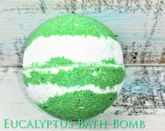 Eucalyptus Bath Bomb, bath fizzie, natural bath bomb, relaxing bath bomb, bath bomb gift, bath spa gift, Christmas gift, gift for women