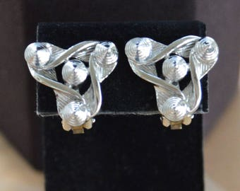 Silver tone Abstract Clip Earrings, Modern, Vintage (AF3)