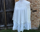 Altered Women's Nylon White Lace Tunic, Altered Couture, Size Large, Crocheted Lace Bottom, Shabby Chic, Romantic Top, Cottage Chic, Boho