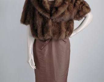 1950s 60s Razook's Plaza Hotel vintage brown fox fur shrug * CT137