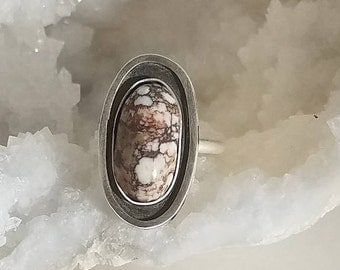Wild Horse Magnesite Ring ~ Modernist Minimalist Styling Shadowbox Gallery Look Custom Sizes