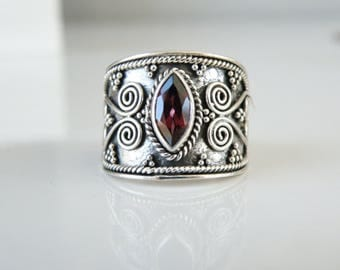 Vintage Sterling Silver 925 Genuine Garnet Ethnic Style Bead Beaded Ring Size 9