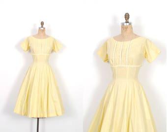 Vintage 1950s Dress / 50s Yellow Cotton Sundress / Full Skirt ( M L )