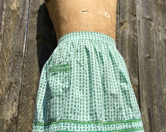 vintage half apron green pear with pocket