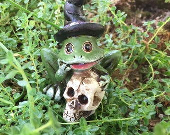 Halloween Frog Figurine, Frog With Witch Hat Holding Skull, Fairy Garden, Miniature Garden Accessory, Shelf Sitter, Decor, Topper, Gift