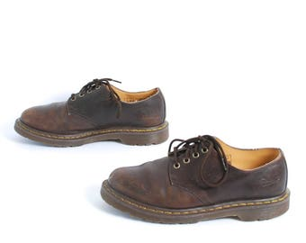 mens size 9 DOC MARTEN brown leather 90s BROGUES 4 eyelets shoes