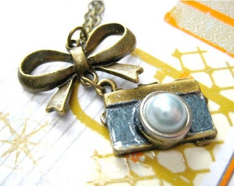 Photographer Necklace,Camera Necklace, Camera Jewelry, Photographer Gifts, Camera Gift,Wedding Photographer, Photographer Jewelry