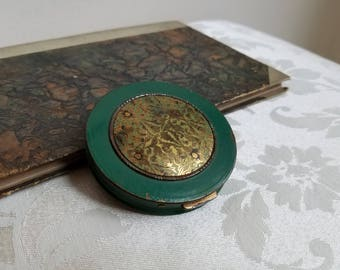 Vintage Green Compact With Brass Design & Beautiful Patina, Round Metal Bohemian Trinket Powder Box, Assemblage Supplies