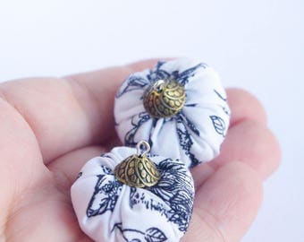 Connector, pendant black white leaves, Perle fabric 2.5 x 3 cm, for DIY jewelry romantic
