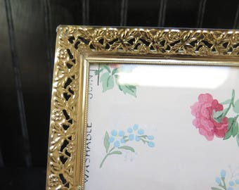 Gorgeous Ornate 5 x 7 Filigree Picture Frame Gold/ Brass Easel Back