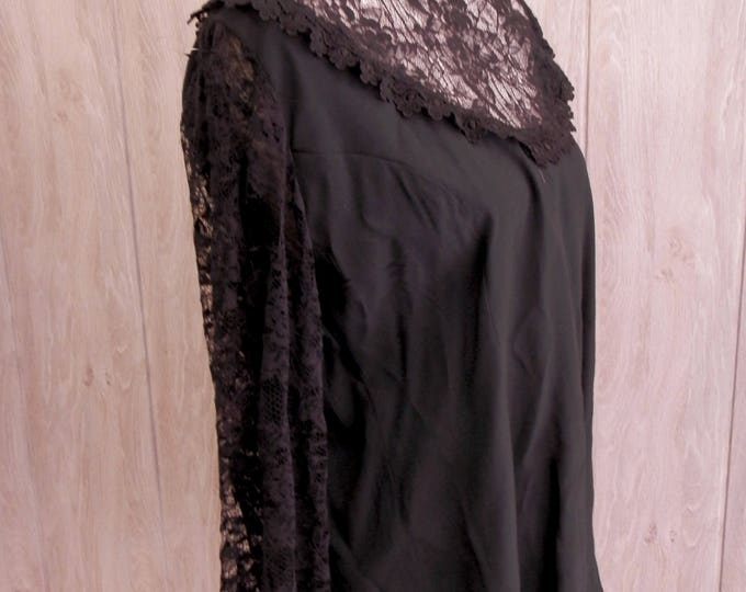 Gothic Lolita  Long sleeve lace shirt