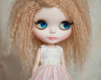 Blonde Tibetan Mohair Wavy Wig for Blythe (Non-Elastic Size)