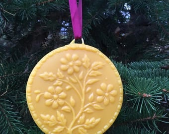 Beeswax Ornament - Flowers in Bloom - 4.25 in wide