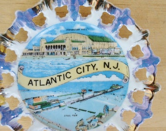 Vintage Atlantic City New Jersey Souvenir Plate Wall Hanging of Made in Japan