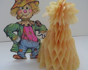 1979 beistle halloween decoration scarecrow honeycomb corn stalk hay stack halloween party table decor - Beistle Halloween Decorations