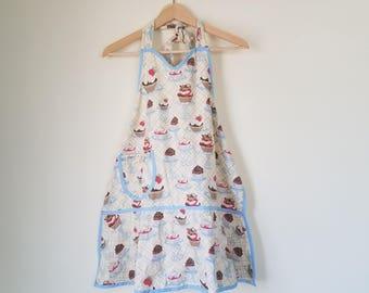 Vintage Cupcake Apron / Kitchen apron / baking apron / cute apron / printed apron / cupcake pattern / dress apron / adorable apron