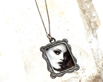 Petite Picture Frame Necklace -Petite style -Portrait Necklace-Photo Frame Necklace-Silver-great gift!