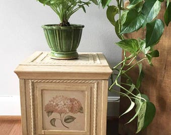 Small Chest /  Painted Hydrangeas / Cottage Chic / Lidded Storage /  Box Chest / Decorative Wood Chest