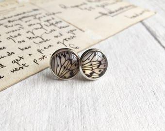 White butterfly earrings, bridesmaid earrings, wing earrings, butterfly jewellery, butterfly wings, stud earrings, round earrings, etsy UK