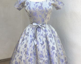 Vintage stunning Party dress Suzy Perette silver lilac brocade petticoat sz S