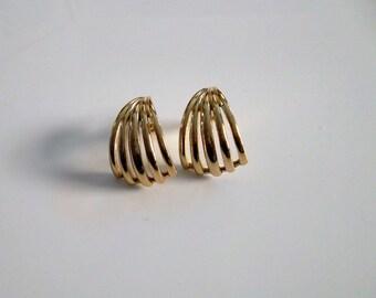 Vintage Trifari Bold And Stunning Art Deco Goldtone Pierced Earring