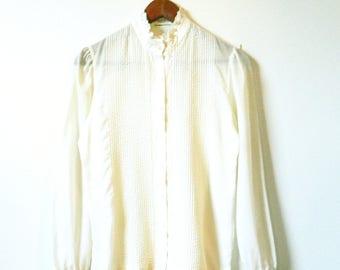 Cream Vintage Lace Collar Blouse / 70s Romantic Victorian Button Down / Retro Vintage Lace Blouse / Sheer Romance Blouse