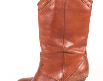 VINTAGE Brown Leather Heeled Western Fashion Boots | Size 7 Cowboy Boots | Cowgirl Boots