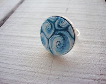 """Ajustable ring """"turquoise and white swirls"""" Polymer clay"""