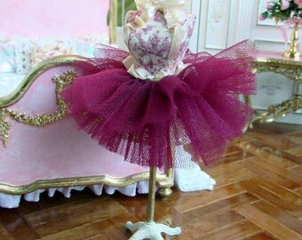 1:12th scale ~ Dolls House ~ French Manikin ~  Pink Toile and Burgundy layered tulle skirt