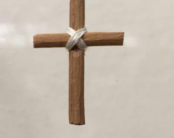 "Dollhouse Miniature Cross in 1"" scale (DC)"