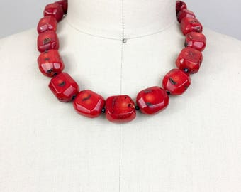 Vintage Red CORAL Stone Beaded Necklace