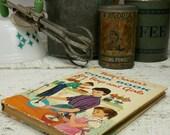 Livre de cuisine de vintage 1957 Betty Crocker pour les garçons et les filles