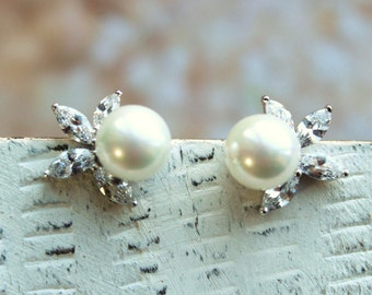 Set of 3,4,5 Small Pearl  Earrings, Bridal Earrings, Pearl Earrings , Bridal Earrings, Wedding Earrings, Bridal Jewelry, Wedding Jewelry
