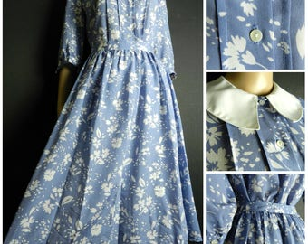 80s floral two piece calf length skirt + matching blouse sailor peter pan collar powder /steel blue + white floral pattern U.K. 8 - 10 sm