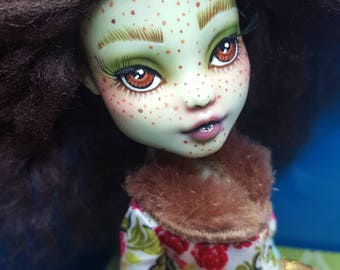 OOAK Monster High Doll - Freckled Frankie Repaint
