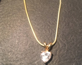 Diamond like heart shaped pendant necklace