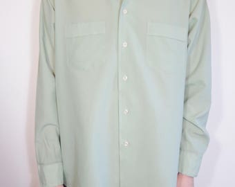 True Vintage 70s Van Heusen Super Silk Slate Green Button Down Shirt with Collar, Retro Men's Fashion Polyester Leisure Wear Size XL