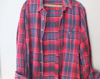 vintage distressed red plaid lumberjack flannel button up shirt
