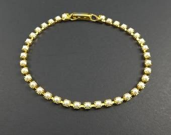 Vintage, Faux Pearl Bracelet, Gold Tone, STC120