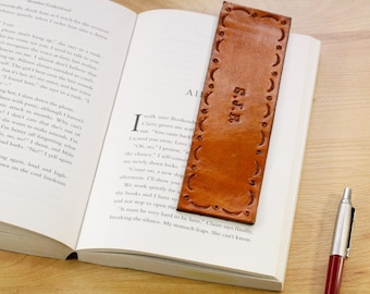Personalized Leather Bookmark, Name Gift For Boyfriend, Initial Leather Bookmarker, Anniversary Gift For Wife, Unique Gift For Husband PNB92
