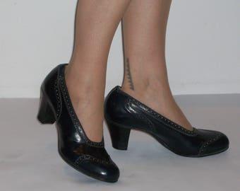 Reserved**Fabulous 1940s CC41 navy baby doll brogue heels US 9 1/2 /  UK 7 1/2 NOS, unworn!