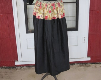 "Vintage 1900s 1910s Edwardian black apron cotton chintz pink yellow floral rose pattern 34 1/2"" waist (122816)"