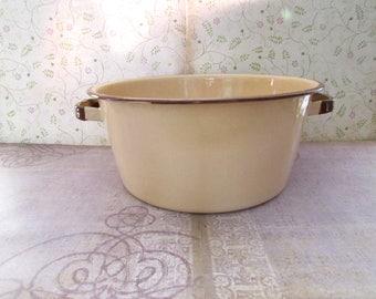 Vintage Enamel Stock Pot Tan/Beige with Brown Handles and Rim 3 1/2 Quart