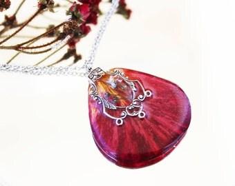Rose petal necklace Red necklace Terrarium necklace Pressed flower necklace Real flower jewelry Eco resin jewelry Terrarium jewelry unique
