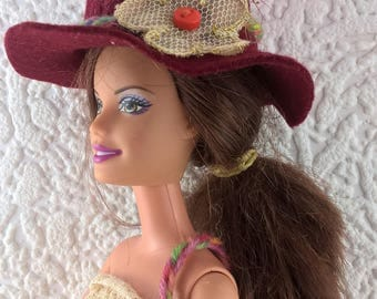 Burgundy hat and bag for Barbie . Hand made felt hat and purse for 12inch fashion doll. OOAK Barbie accessories. Flower and feather decs.
