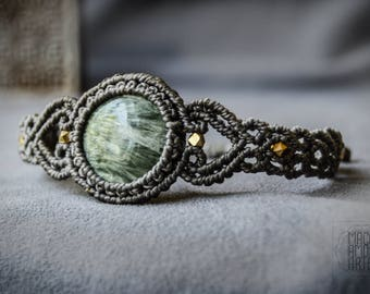 ELEGANT Macrame Bracelet with Seraphinite Gemstone, Healing Stones, Birthstone Jewelry, Gipsy, Gemstone Macrame, Burning Man