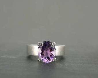 18k White Gold Diamond Ring with Amethyst – white gold satinated brushed ring – Amethyst Ring- contemporary jewelry
