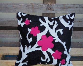 """Cushion """"Magnolia"""""""
