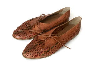 Vintage Leather Lace Up OXFORDS hipster boho woven flats brown shoes ethnic oxford 1970s womens 8.5